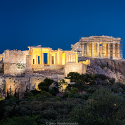 The Acropolis at Night - Spirosparas, CC BY-SA 4.0 <https://creativecommons.org/licenses/by-sa/4.0>, via Wikimedia Commons
